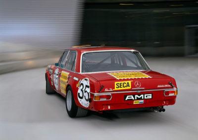 AMG Rote Sau 1971 AMG 300 SEL 6.8, notez le 6.3 alors que la cylindree est de 6.8.