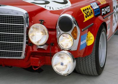AMG Rote Sau 1971 AMG 300 SEL 6.8 detail des projecteurs,