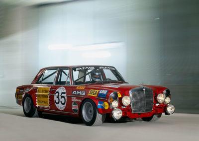 AMG Rote Sau 1971 Mercedes-Benz 300 SEL 6.8 reconstruction 2006 vue trois quarts avant droit.