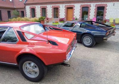 1972 dessin de Frua sur base DS 1975 Maserati Merak moteur 3 litres. Les arches arrière diffèrent entre celle de Frua, au premier plan, et celle de Giugiaro, au second plan.