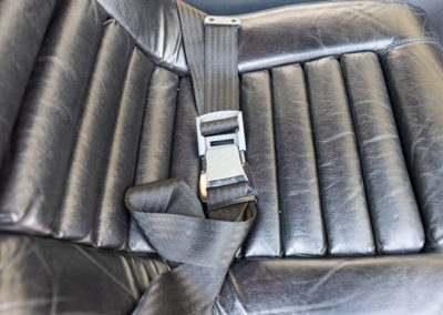 1974 Citroën SM, les ceintures de sécurité sont d'une autre époque.