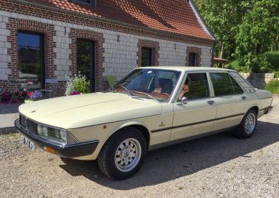 1975 Maserati Quattroporte II. Il s'agit de la N° 2 (sur 13) présentée au Salon de Genève. Moteur 3 litres à carburateurs.
