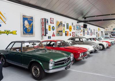 1967 Mercedes Pagode 250 SL, 1973 Alfa Romeo 2000 GTV, 1971 Triumph GT 6 Le Bonhomme Michelin vous remercie de votre visite - The Swiss Auctioneers - 17 octobre 2020