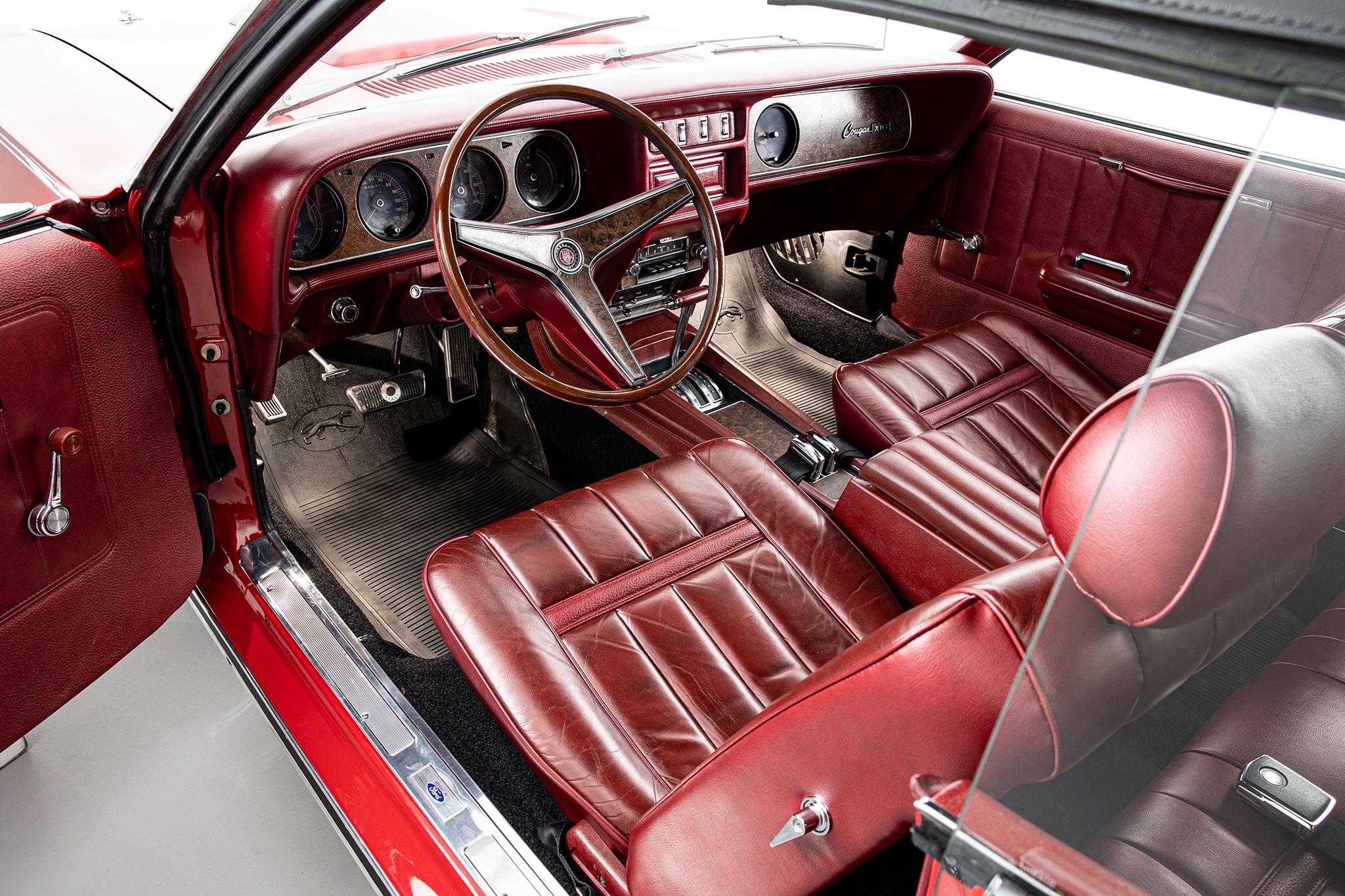 1969 Mercury Cougar XR7 intérieur et tableau de bord - Bonhams Bond Street Sale