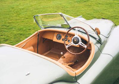 1952 Jaguar XK 120 OTS intérieur en cuir biscuit et peinture Aston Martin California Sage