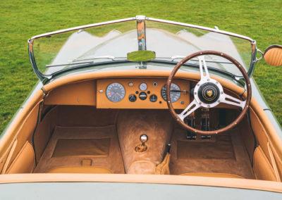 1952 Jaguar XK 120 OTS tableau de bord en cuir et volant bois