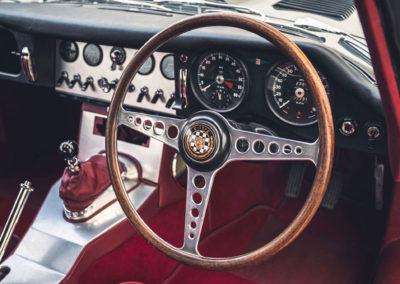1961 Jaguar E-Type 3.8 Series 1 FHC Flat-Floor Chassis N° 60 vue détails du tableau de bord