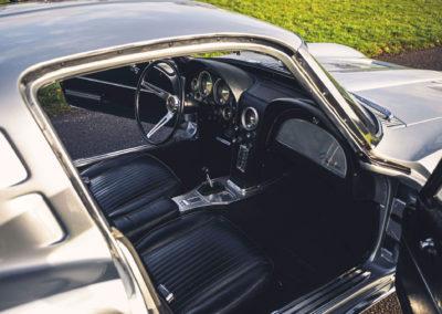 1963 Chevrolet Corvette C2 Split-Window aperçu des places avant.