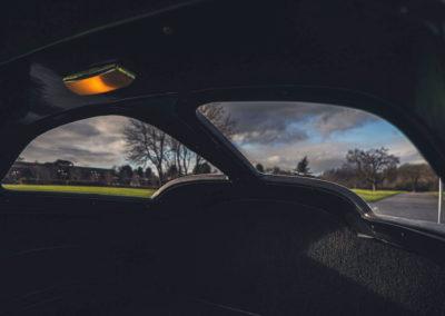 1963 Chevrolet Corvette C2 Split-Window vue par la Split-Window depuis l'intérieur