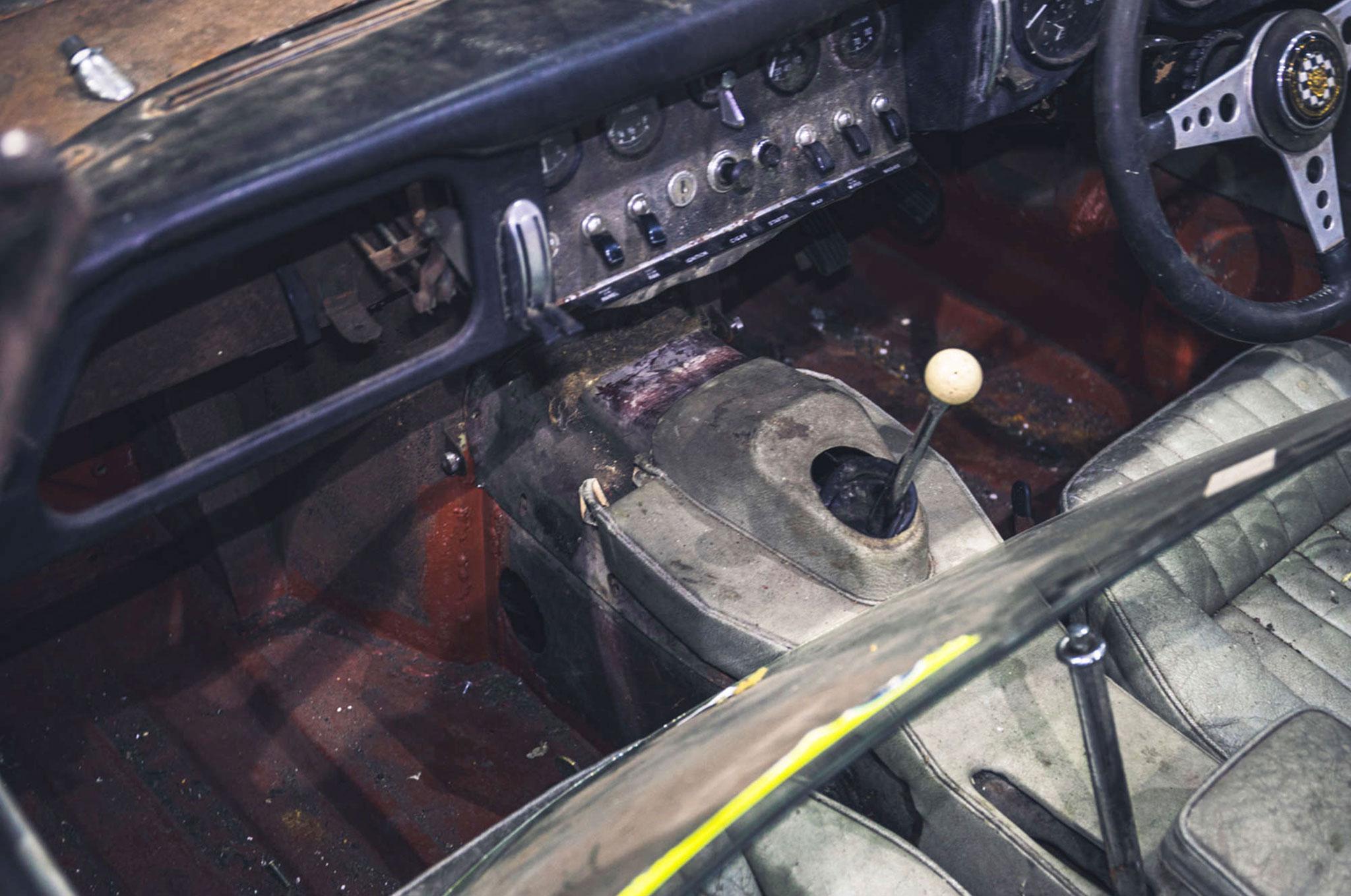 1964 Jaguar E-Type 2805 miles détail de l'intérieur à reprendre