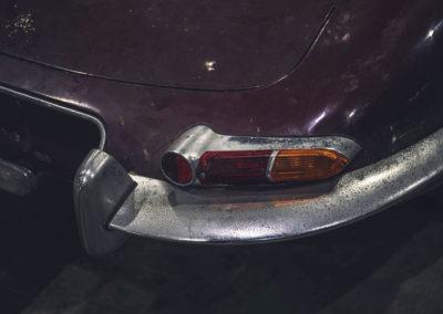1964 Jaguar E-Type 2805 miles détail feu arrière et pare-chocs à rechromer