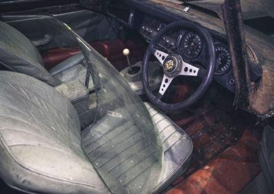 1964 Jaguar E-Type 2805 miles vue du cockpit.