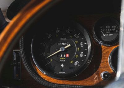 1968 Ferrari 330 GTC détail du compteur de vitesse.