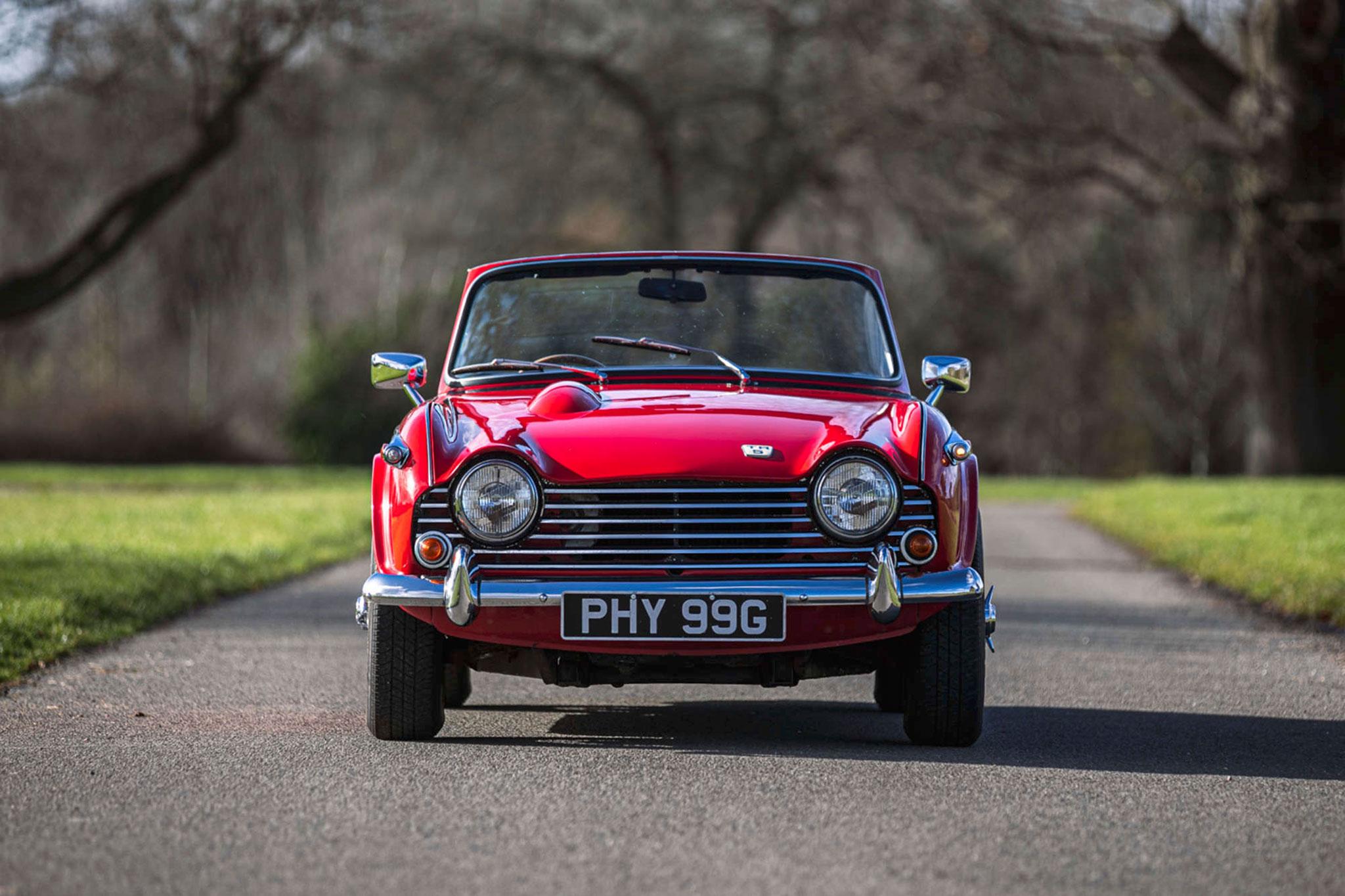 1968 Triumph TR5 face avant