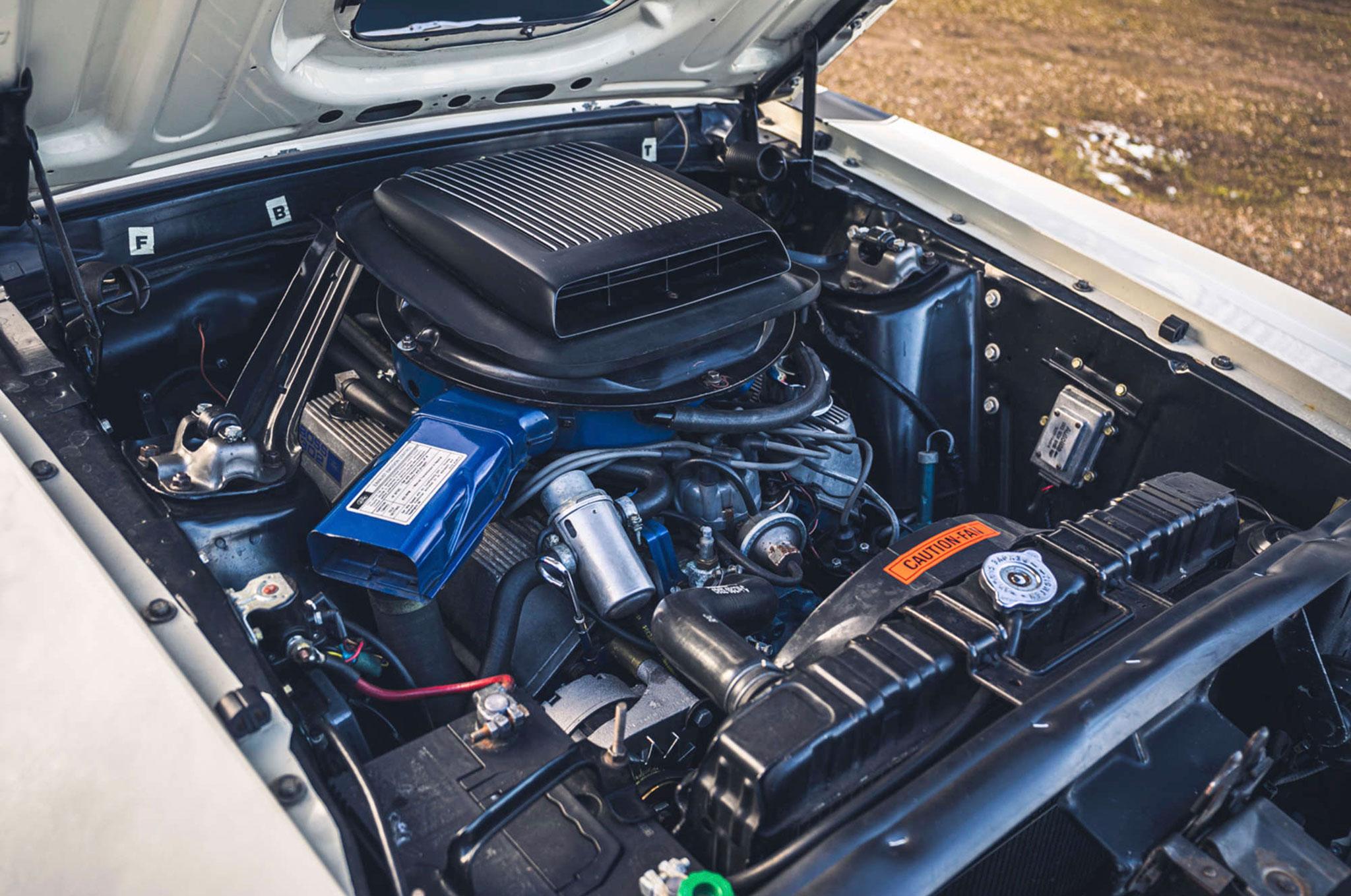 1970 Ford Mustang Boss 302 vue du moteur V8 302ci.