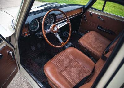 1972 Alfa Romeo Giulia Super 1.3 poste de conduite