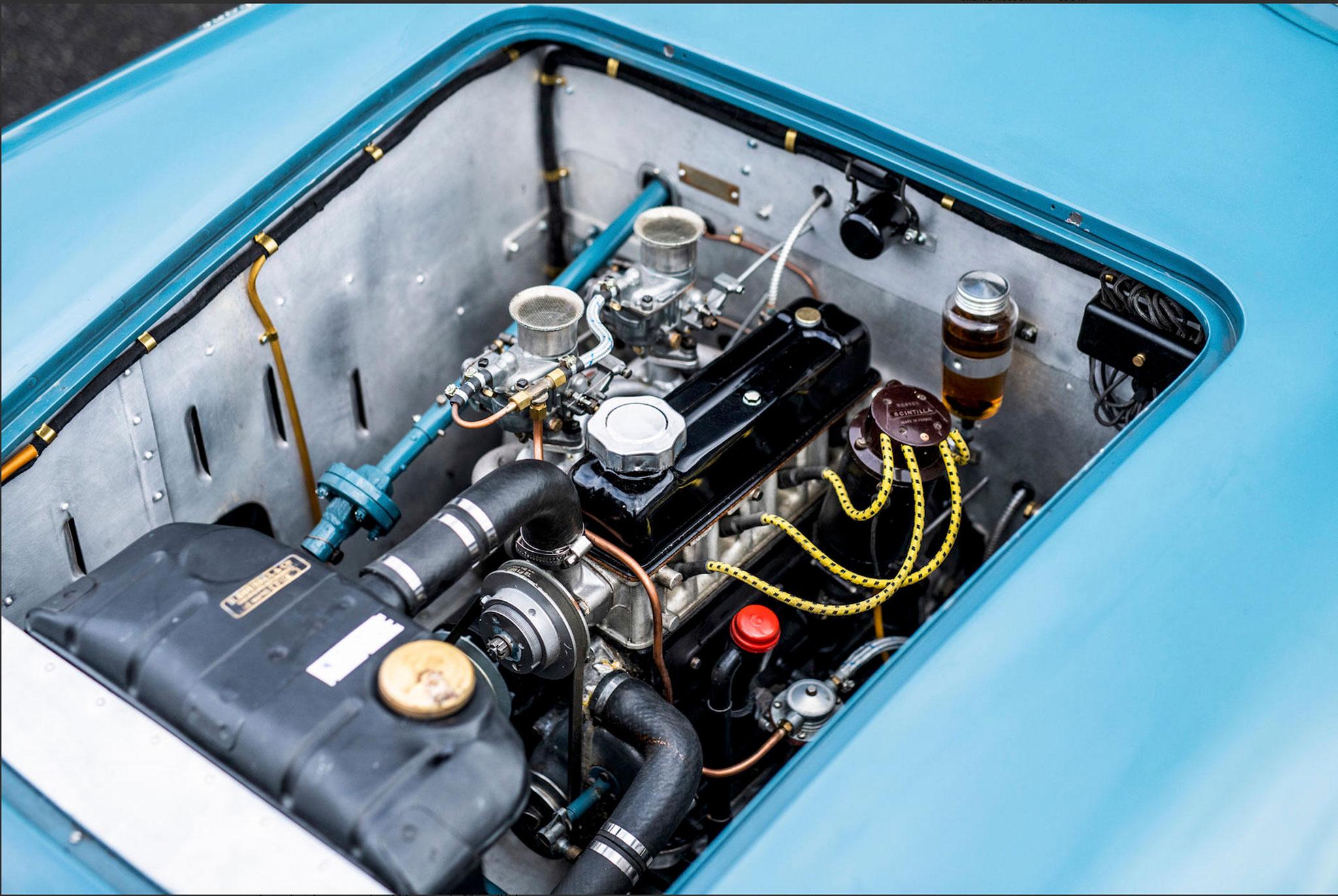 1950 Simca Estager Barquette moteur 4 cylindres de 1089cc.