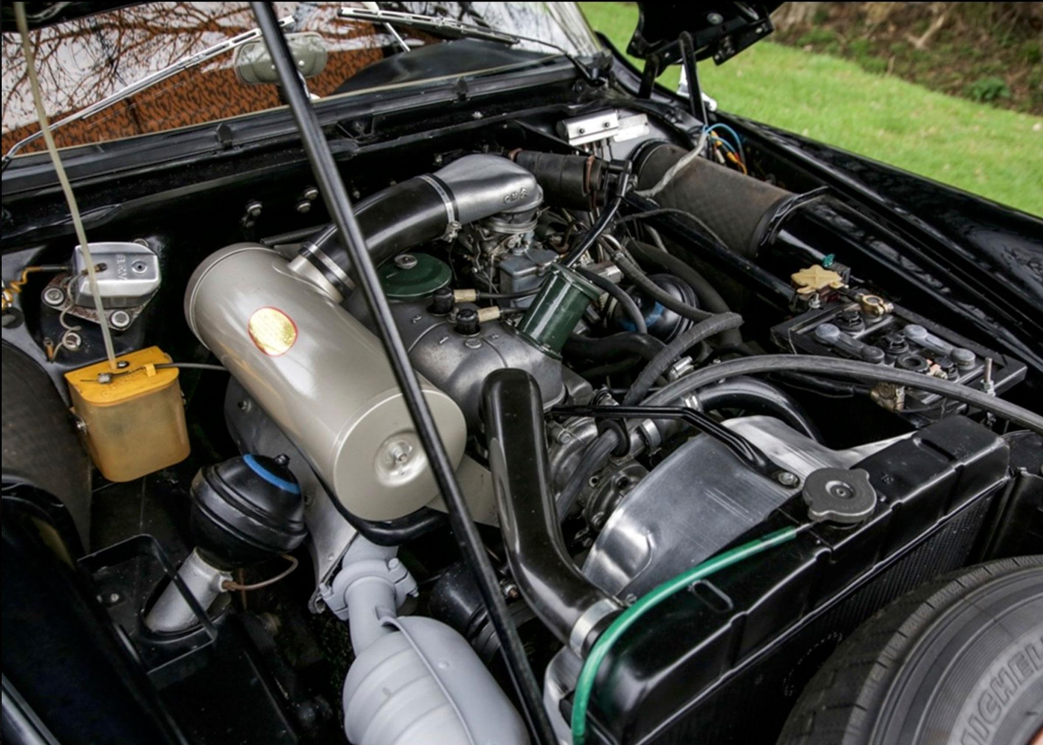 1958 Citroën DS 19 le moteur est celui de la Traction 11 D - Coups de Coeur Historics Auctioneers.