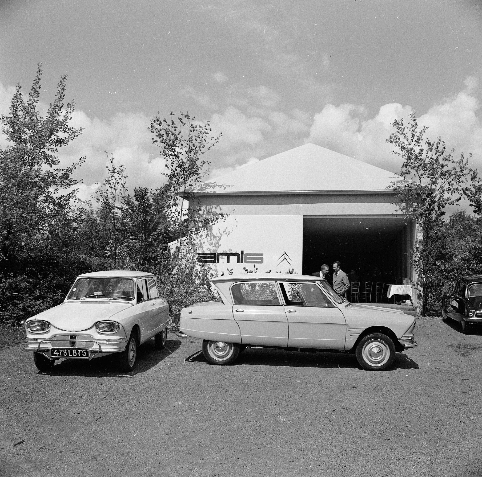 1961 Citroën AMI 6 Berline présentation presse 24 avril 1961.