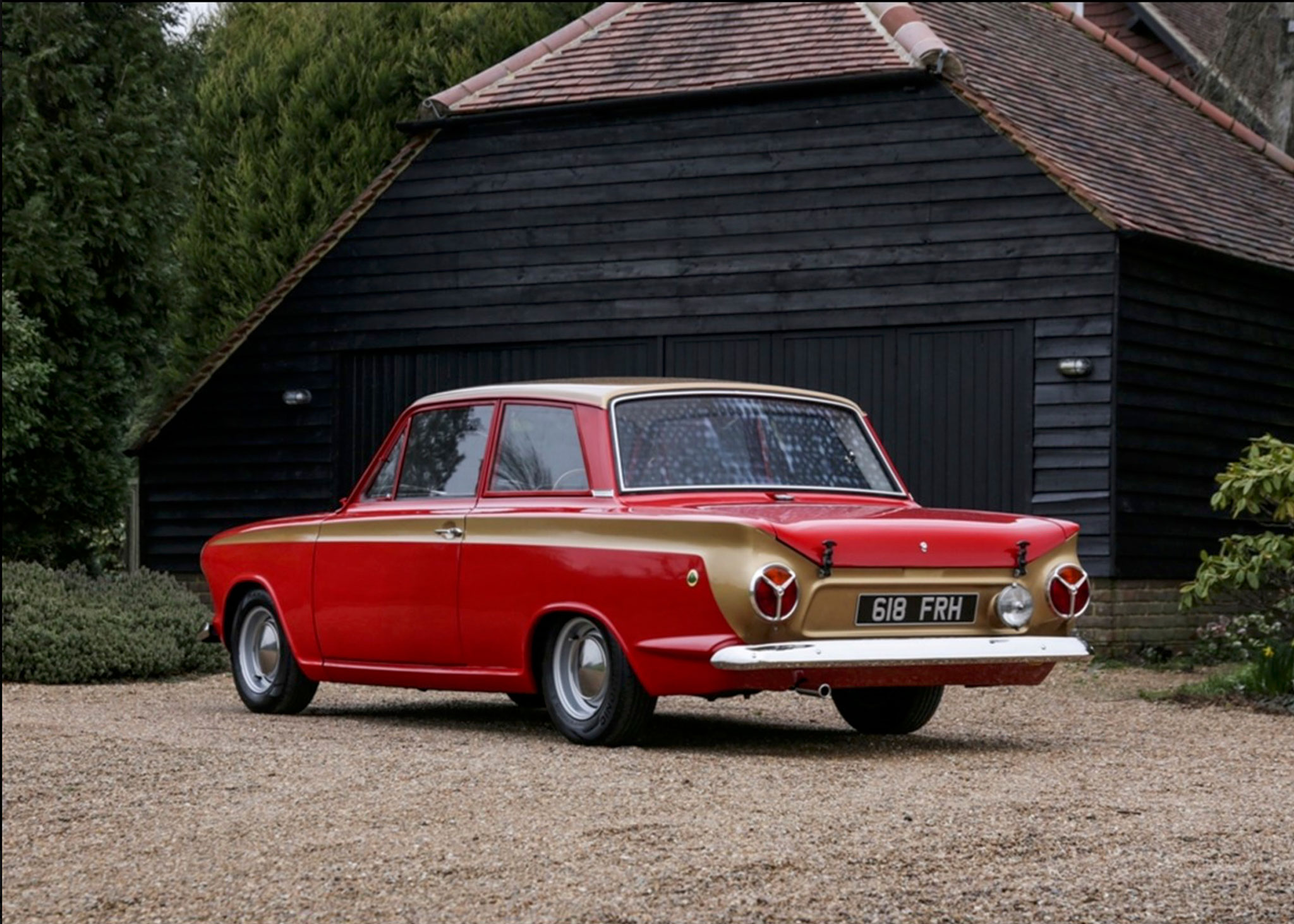 1963 Ford cortina Lotus MK I cette version porte encore le monogramme Consul qui disparaît en 1964 - Coups de Coeur Historics Auctioneers.