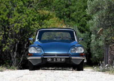 1967 Citroën DS 21 cabriolet Chapron phares directionnels liquide LHM vert.