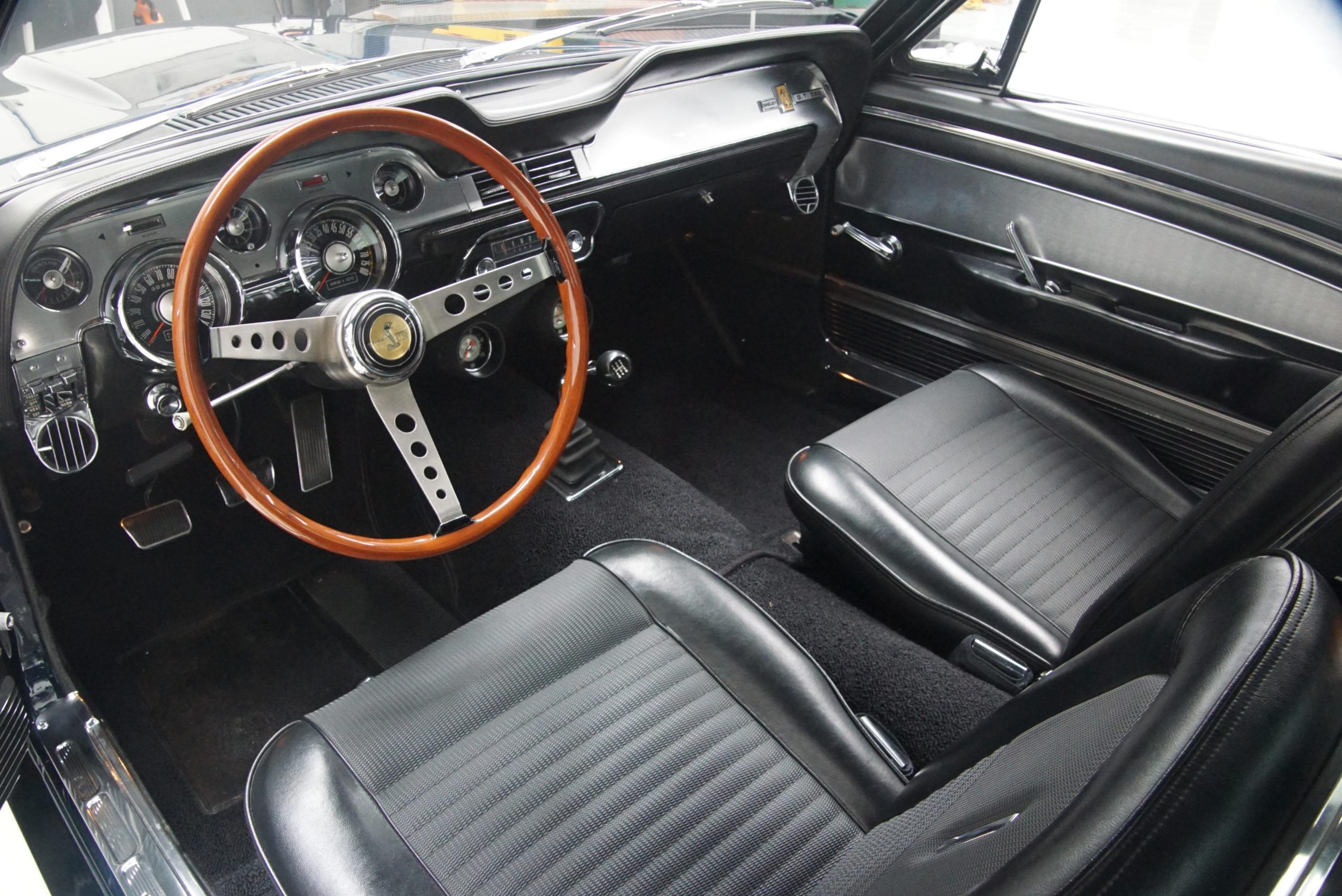 1967 Shelby Mustang GT350 Fastback intérieur poste de conduite - Shannons Auctions avril 2021.
