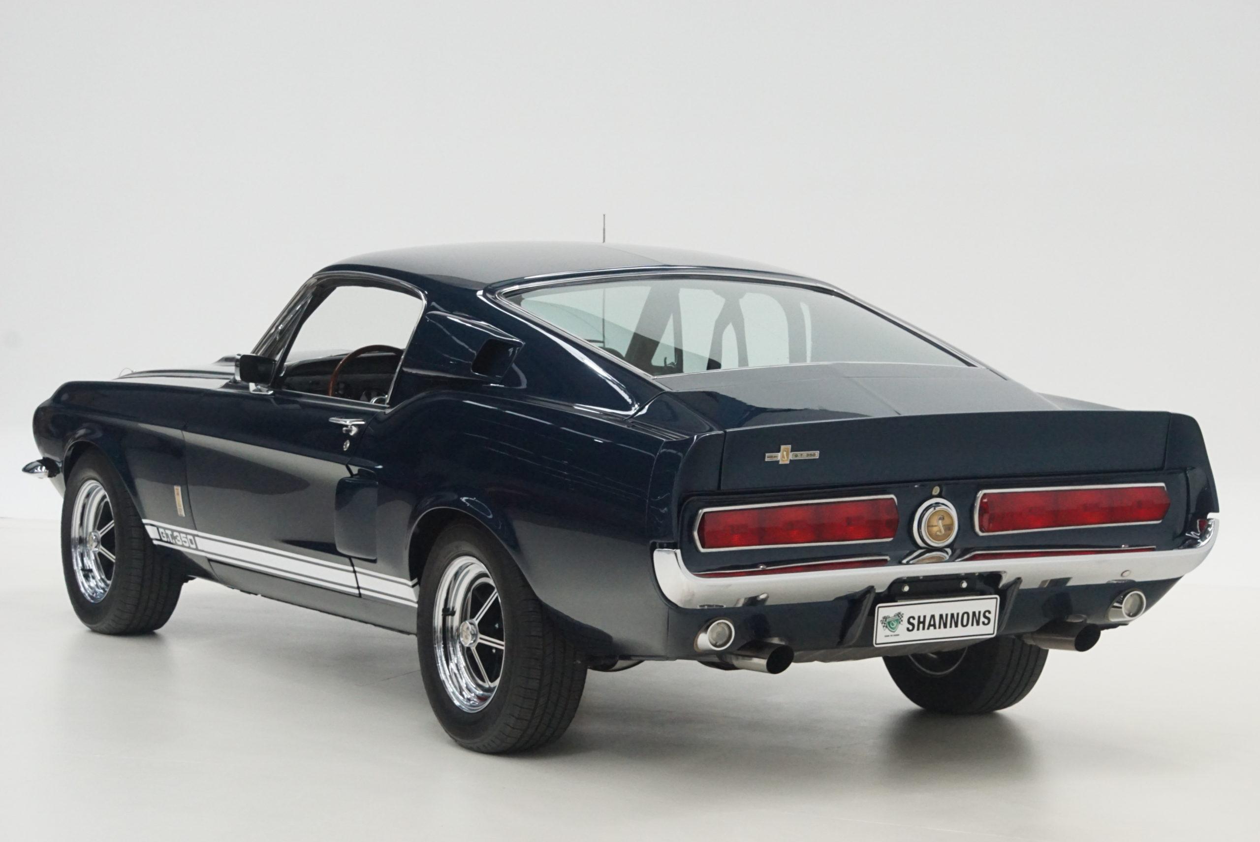 1967 Shelby Mustang GT350 Fastback trois quarts arrière gauche - Shannons Auctions avril 2021.