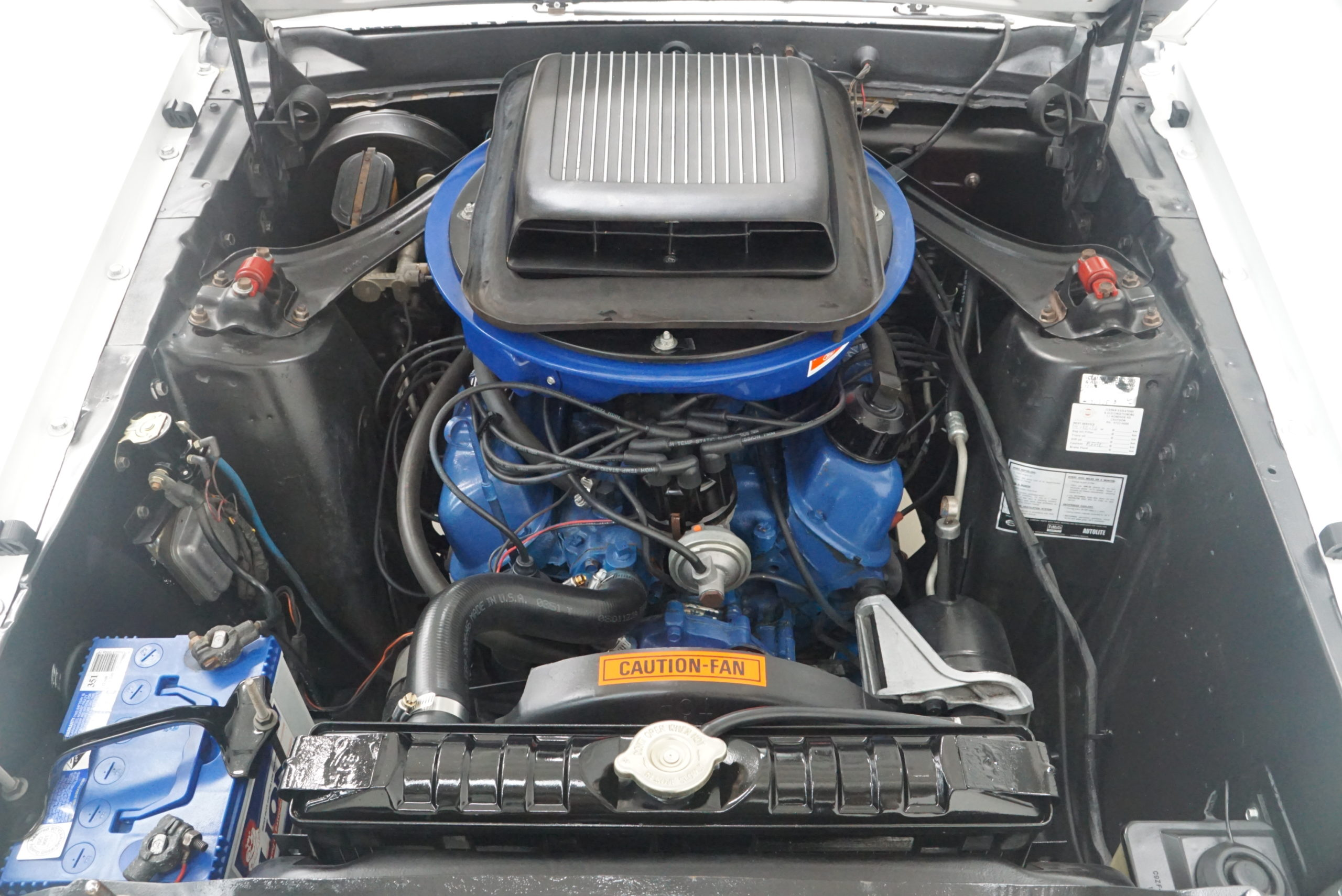 1969 Ford Mustang Boss 302 Tribute Fastback moteur vue de face - Shannons Auctions avril 2021.