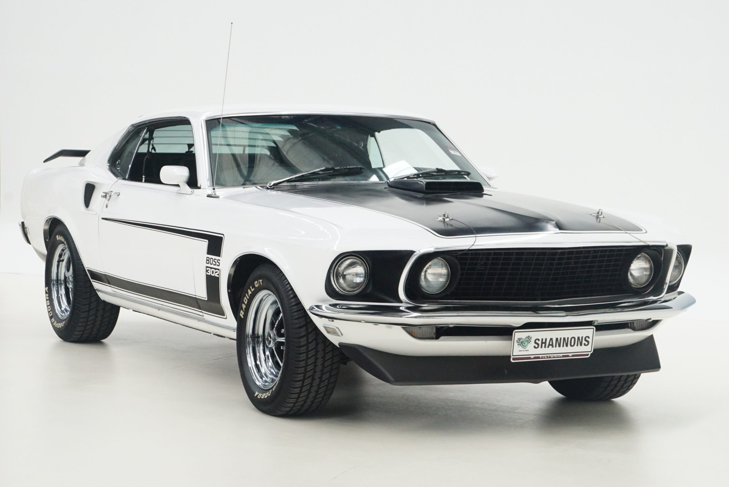 1969 Ford Mustang Boss 302 Tribute Fastback trois quarts avant droit - Shannons Auctions avril 2021.