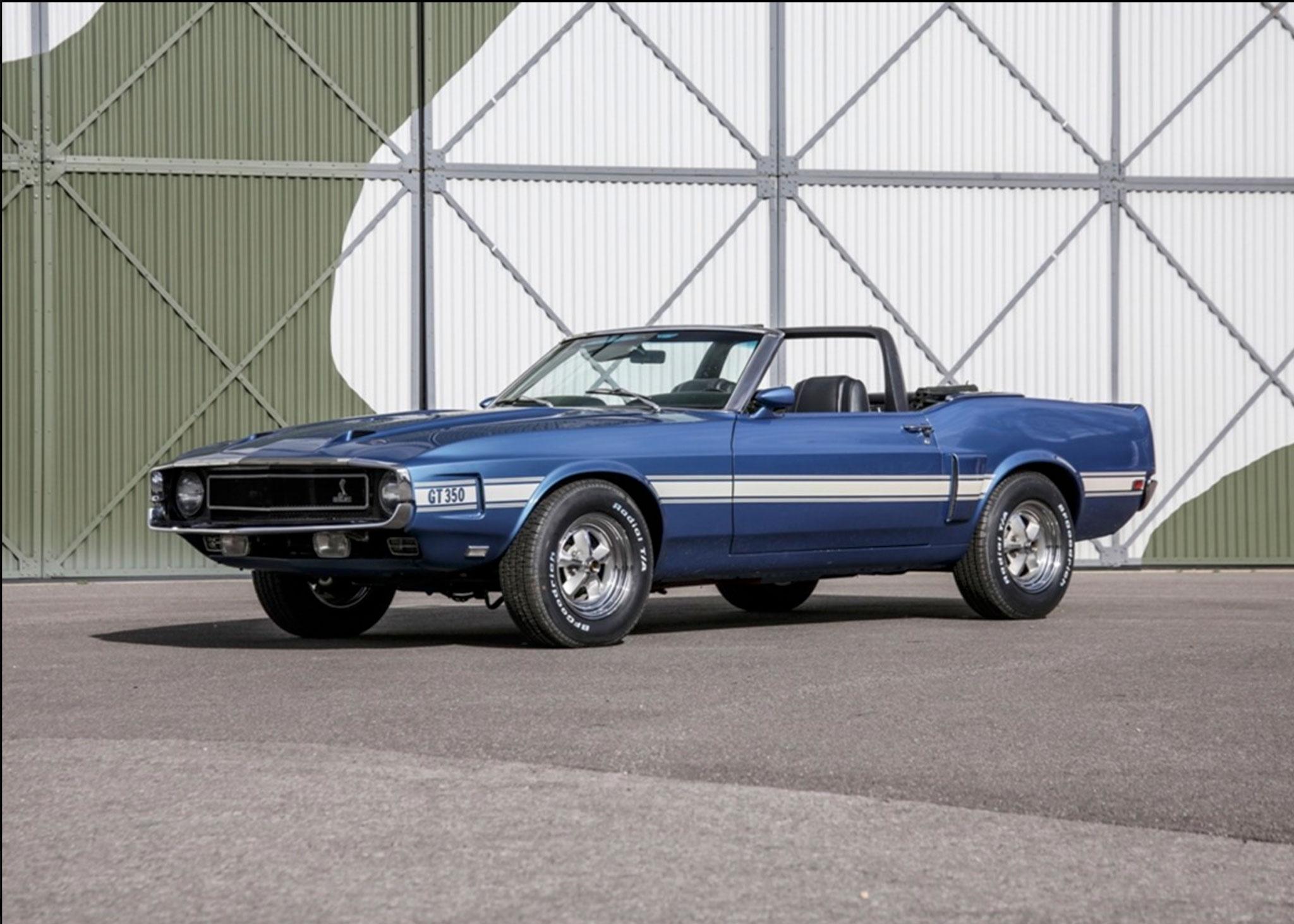 1969 Shelby GT350 Convertible Bleu Acapulco intérieur noir - Coups de Coeur Historics Auctioneers.