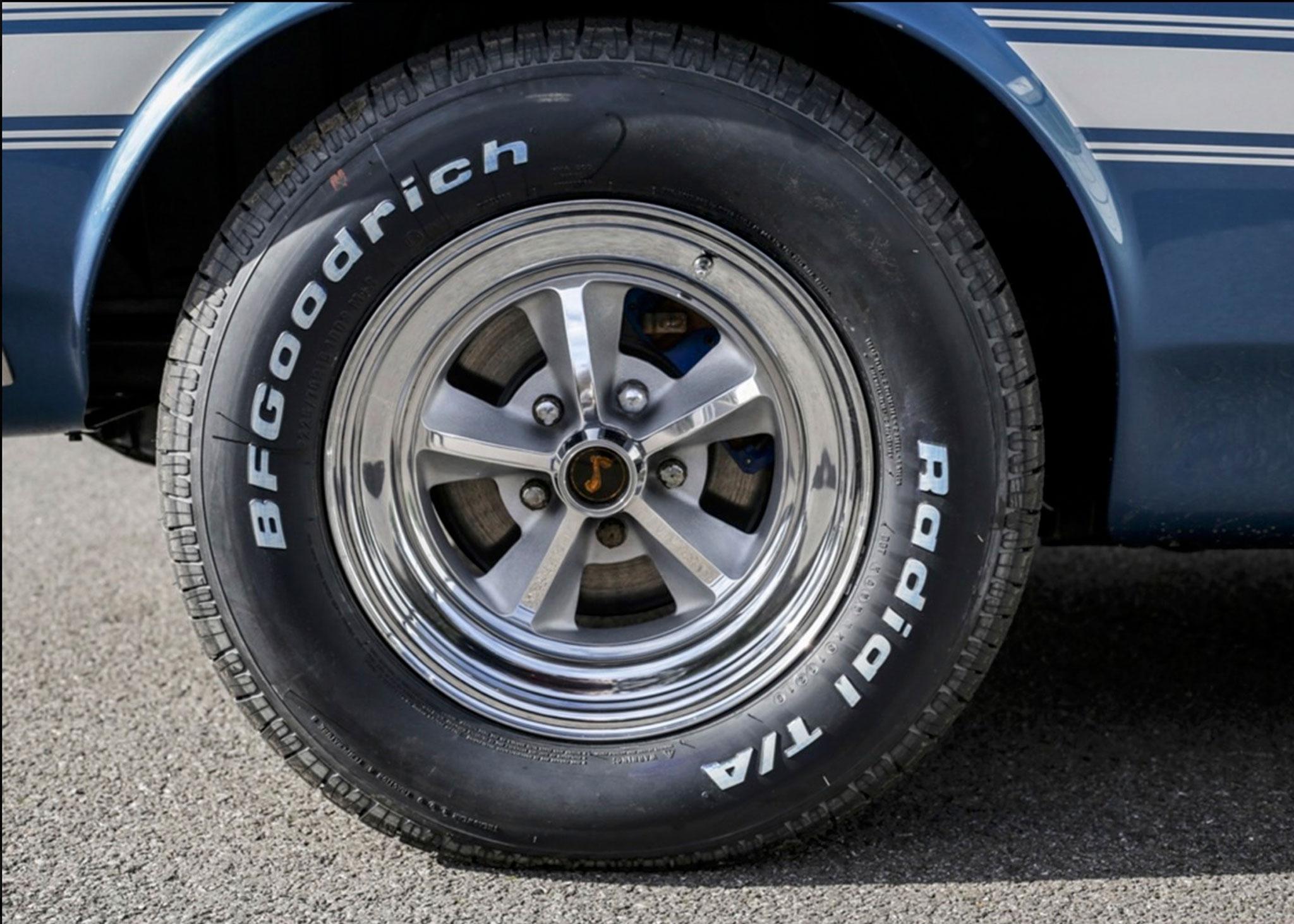 1969 Shelby GT350 Convertible jantes spécifiques pour ce modèle - Coups de Coeur Historics Auctioneers.