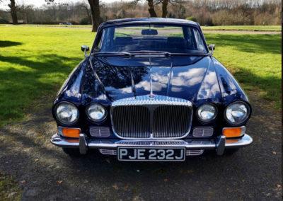 1971 Daimler 4.2-Litre face avant - Classic Car Auctions mars 2021.