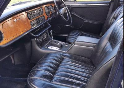 1971 Daimler 4.2-Litre intérieur en cuir et bois - Classic Car Auctions mars 2021.
