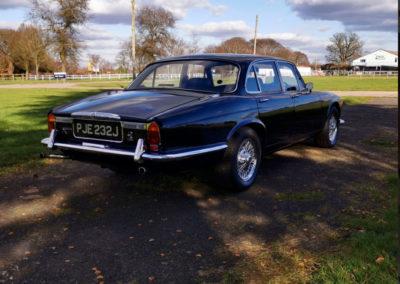 1971 Daimler 4.2-Litre trois quarts arrière droit - Classic Car Auctions mars 2021.