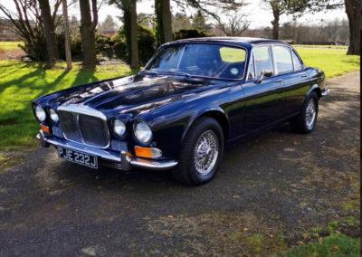 1971 Daimler 4.2-Litre trois quarts avant gauche - Classic Car Auctions mars 2021.