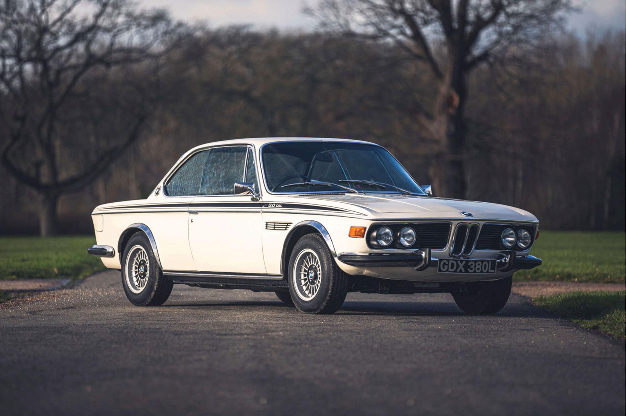 1973 BMW 3.0 CSL Silverstone Auctions 27 mars 2021 adjugée £87 750 - 50 ans BMW CSL.