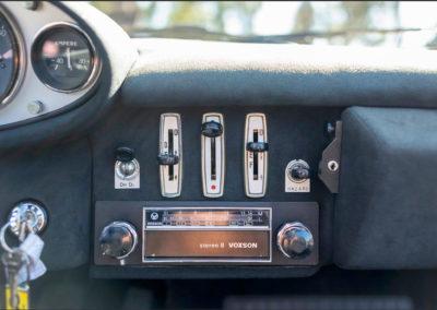 1973 Ferrari Dino 246 GTS modèle équipé d'un rare lecteur 8 pistes.