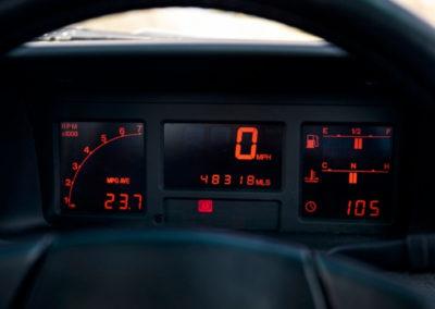 1990 Audi Quattro 20V détails du tableau de bord digital - Classic Car Auctions mars 2021.