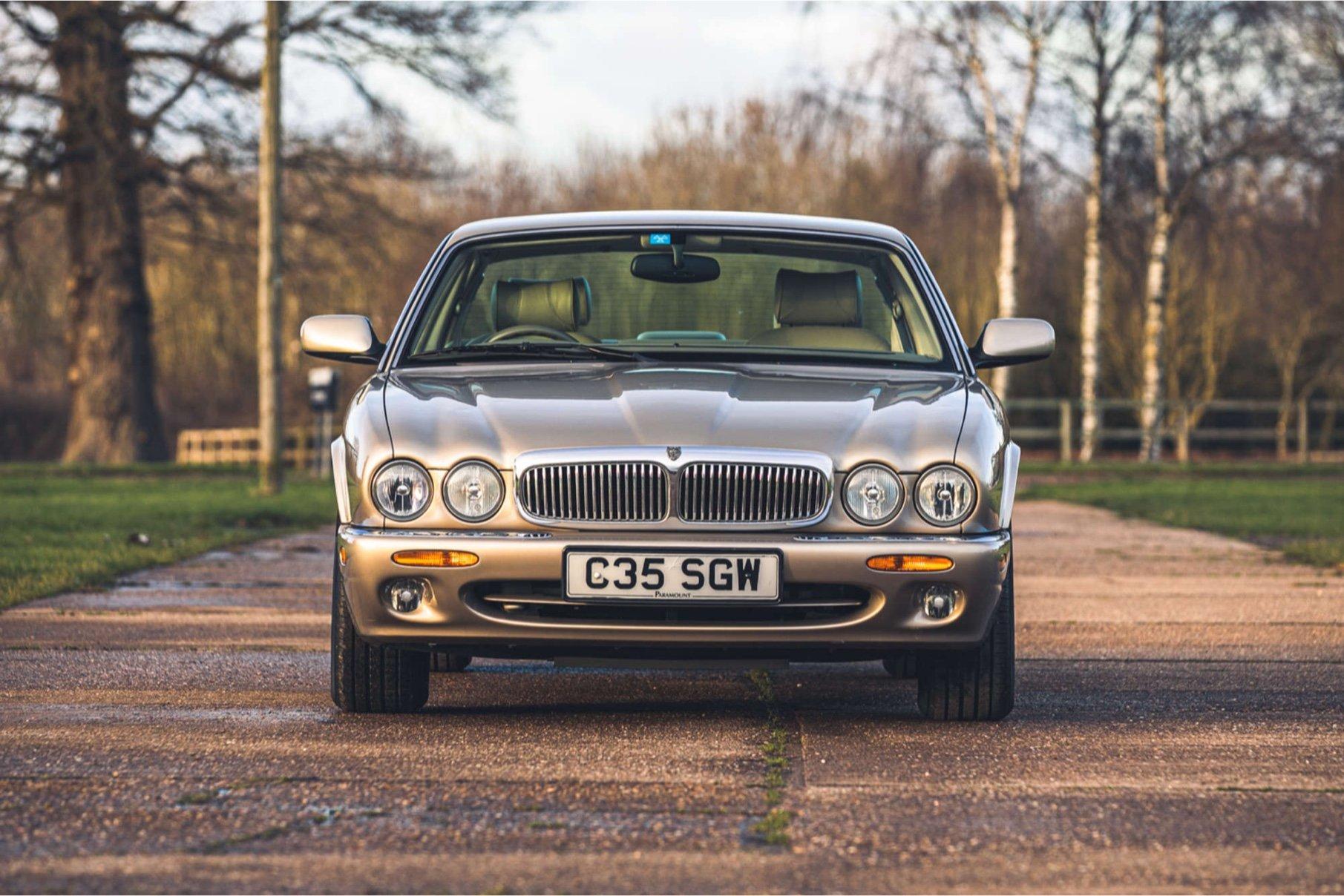 1998 Jaguar XJ Sovereign - £10,125 - Silverstone Auction mars 2021.