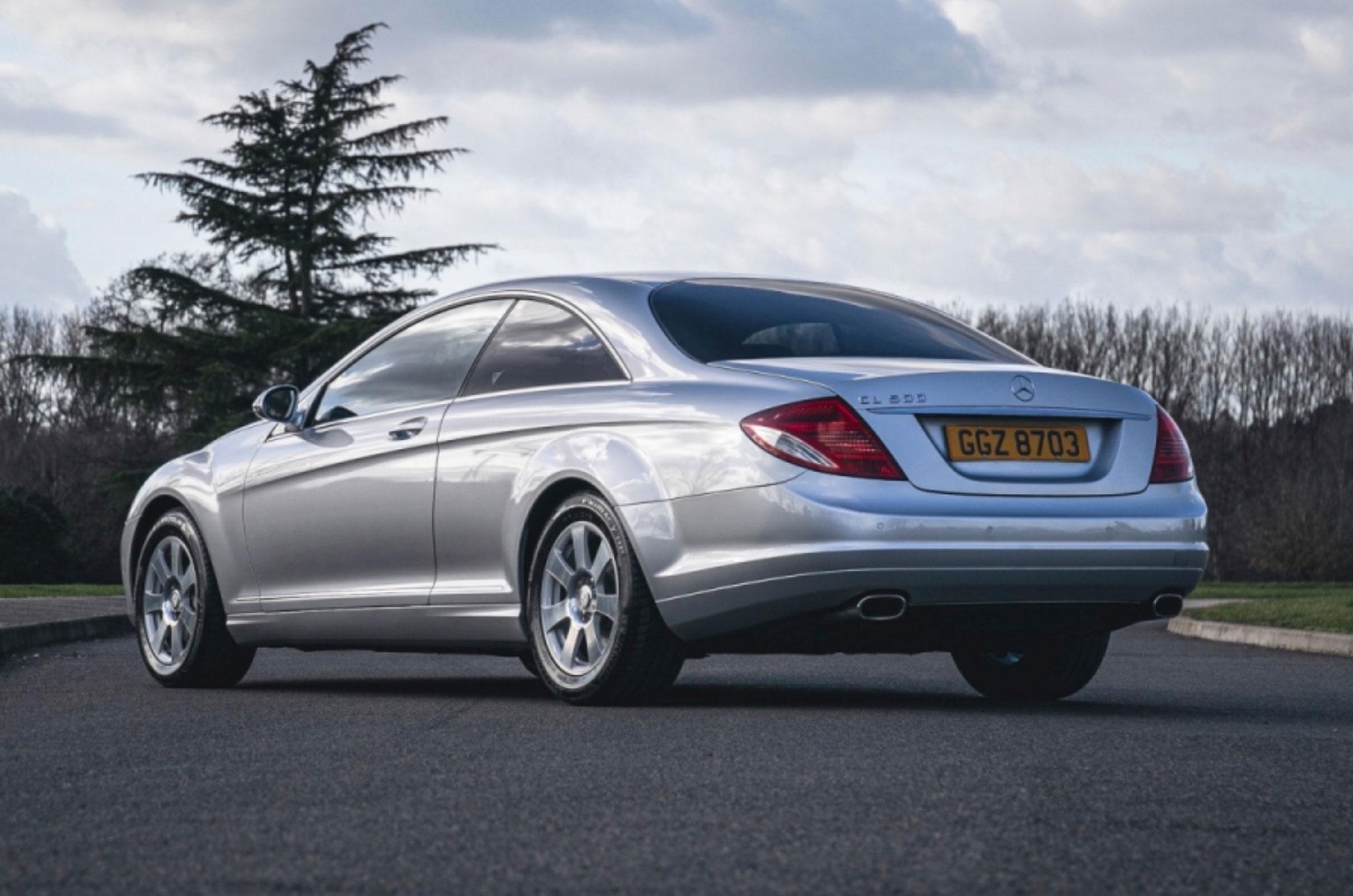 2008 Mercedes-Benz CL500 trois quarts arrière gauche - Classic Car Auctions mars 2021.