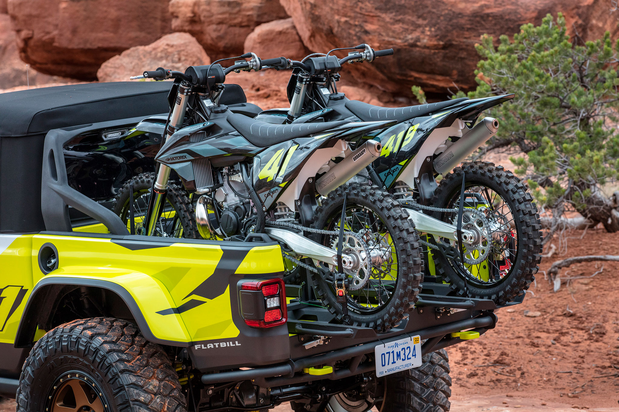 2019 Jeep Gladiator Flabill deux rails coulissants pour les motos - Moab Easter Jeep Safari.