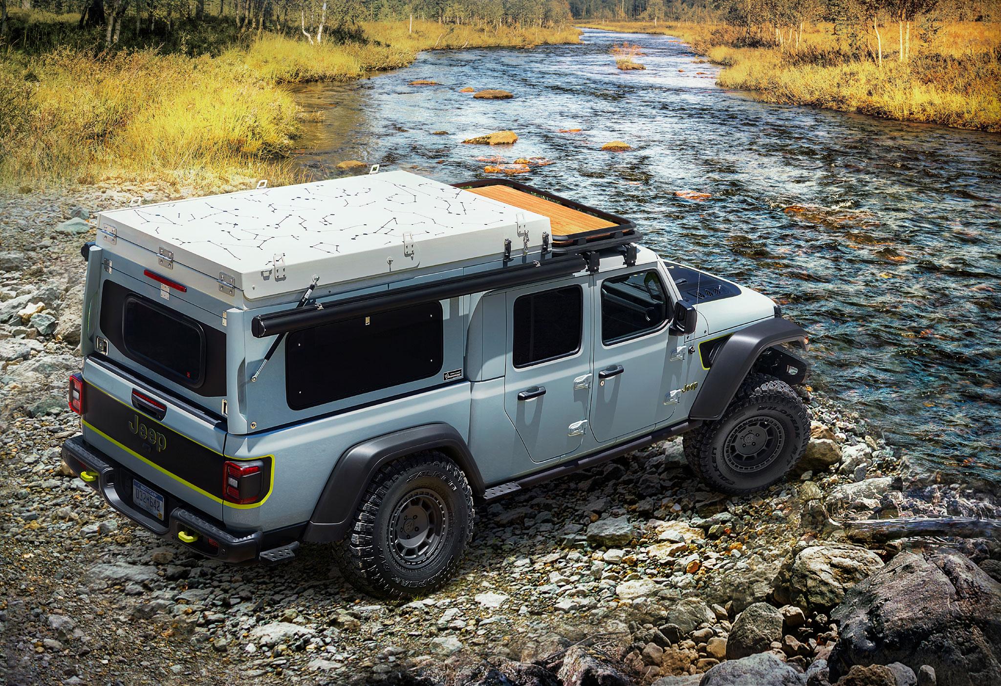 2020 Jeep Gladiator Farout Concept trois quarts arrière droit - Jeep et Moab 2020.