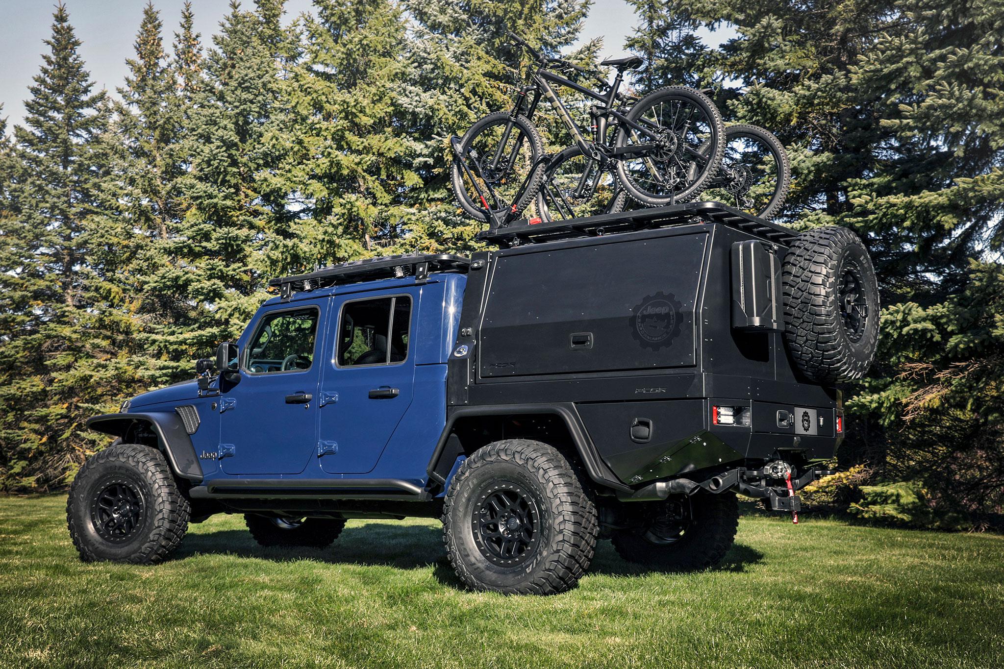 2020 Jeep Gladiator Top Dog trois quarts arrière gauche.jpg - Jeep et Moab 2020.