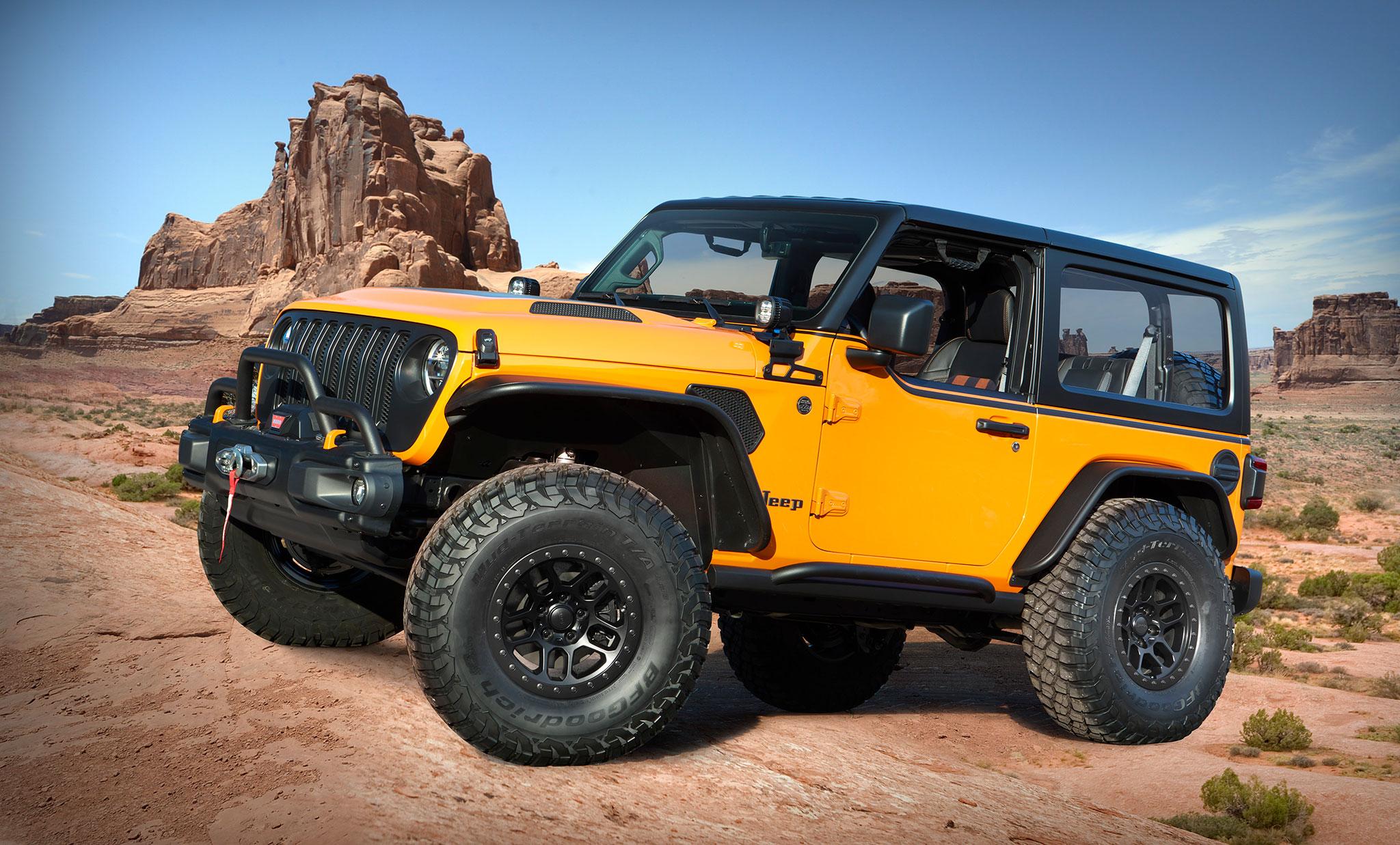 2021 Jeep Wrangler 2-Door Orange Peelz trois quarts avant gauche - Concept Cars de Jeep®.