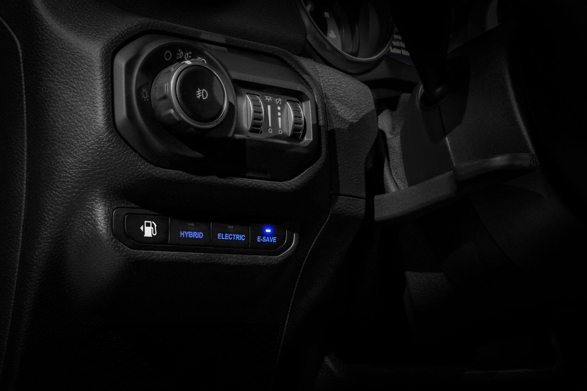 2021 Jeep Wrangler 4xe position eSave privilégie le mode thermique et économise le mode électrique