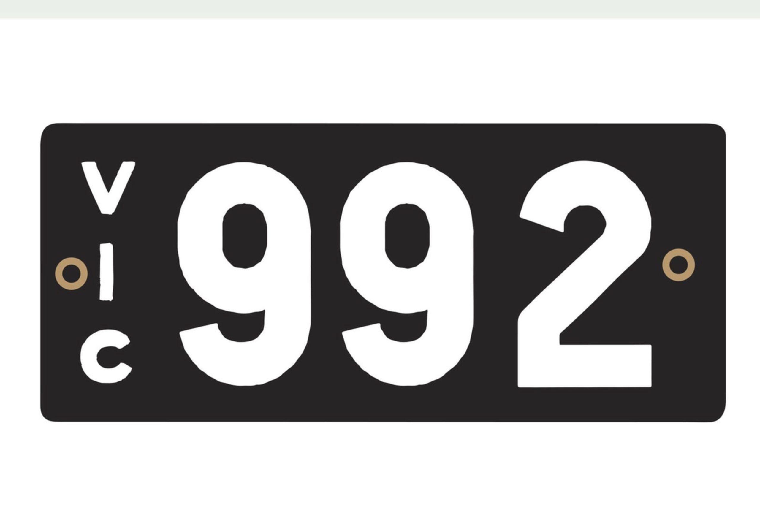 Plaque 992 pour un amateur de Porsche - Résultats Shannons Auctions avril 2021.