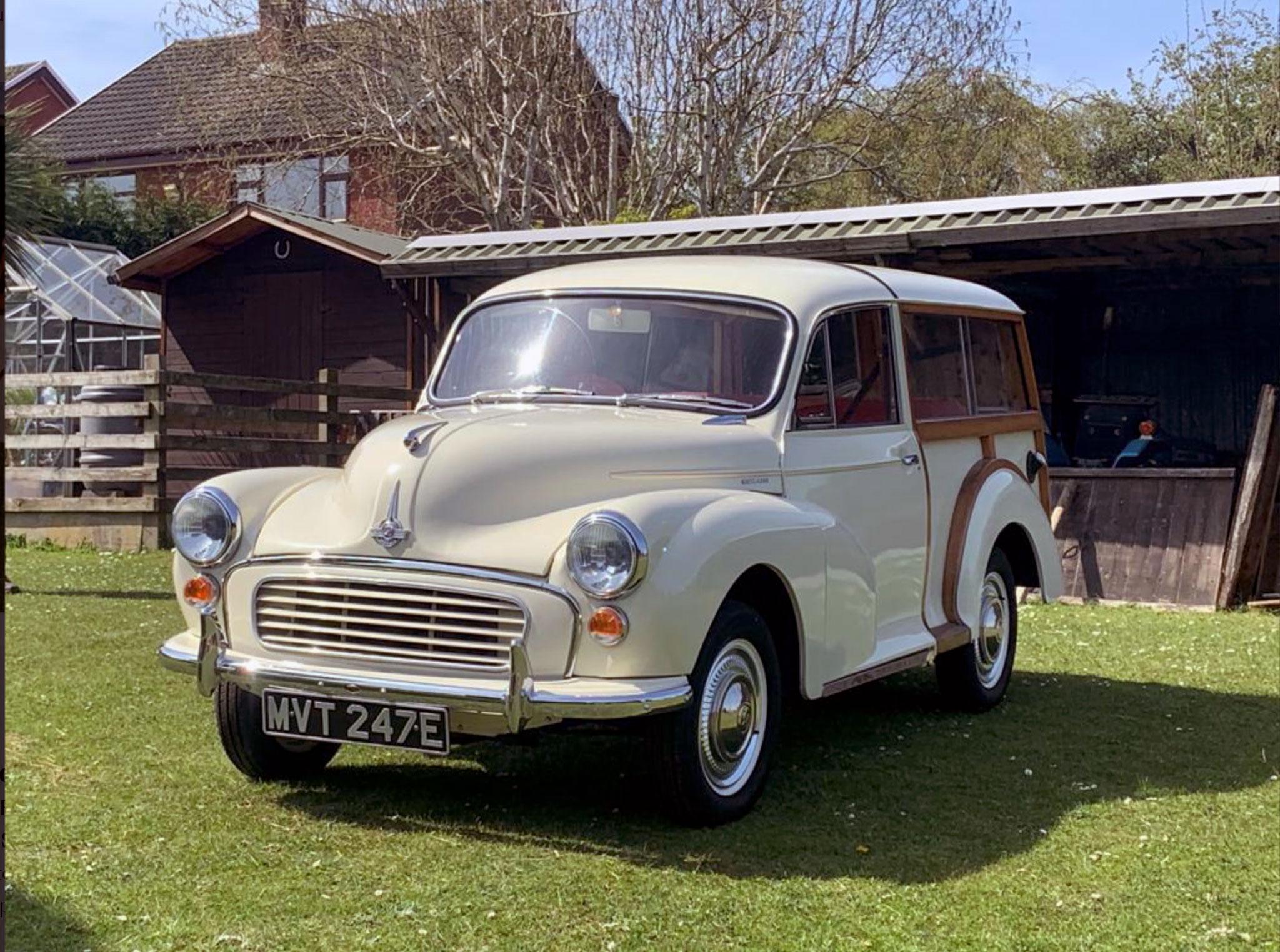 1967 Morris Minor 1000 Traveller Bonhams CHF 14 000. Marché de la Voiture de Collection.