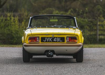 1972 Lotus Elan Sprint Convertible sa carrosserie est en fibre de verre.