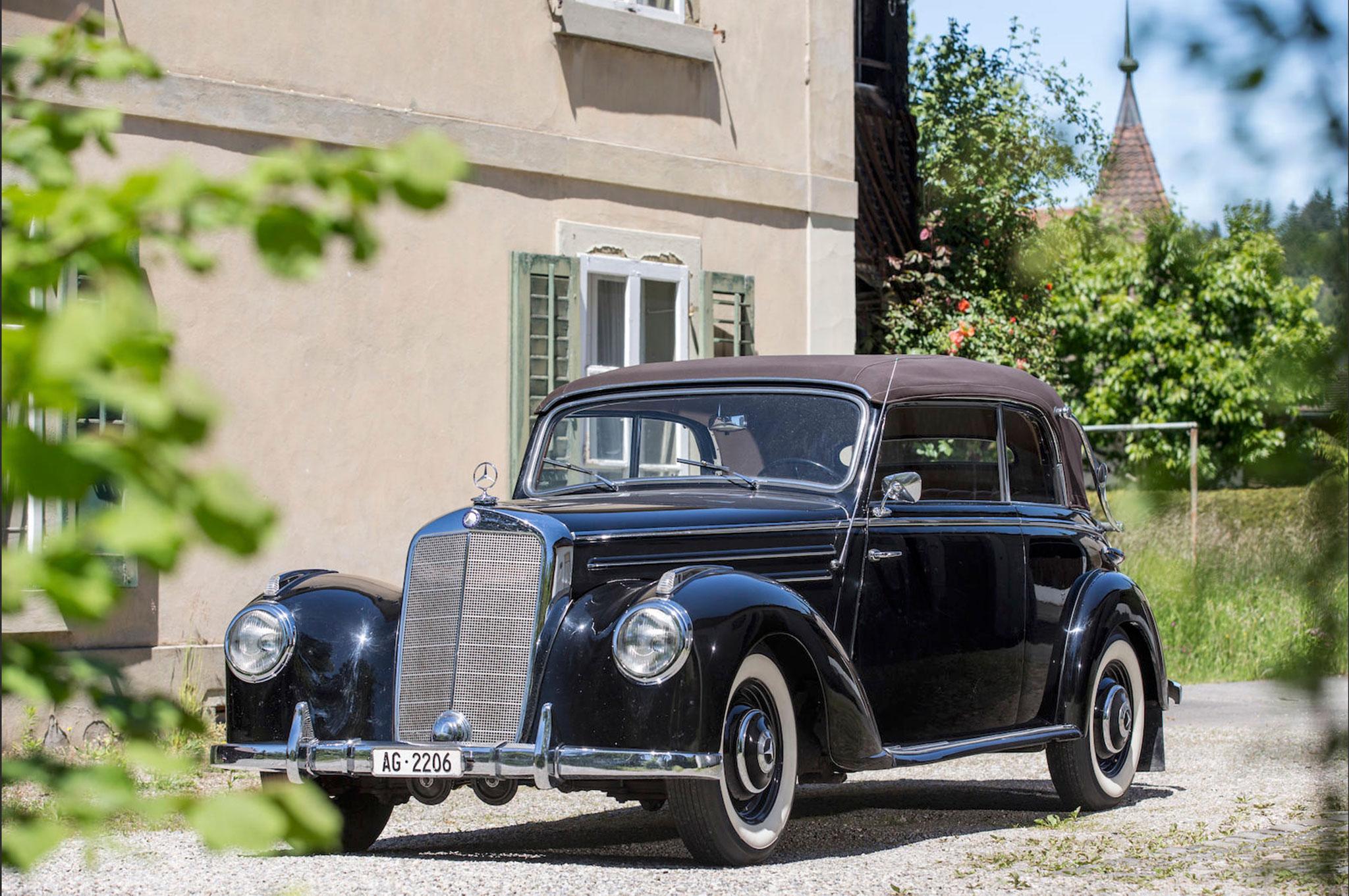 1952 Mercedes-Benz 220 Cabriolet B CHF 80 000 - 120 000 - Classique vs Supercar.