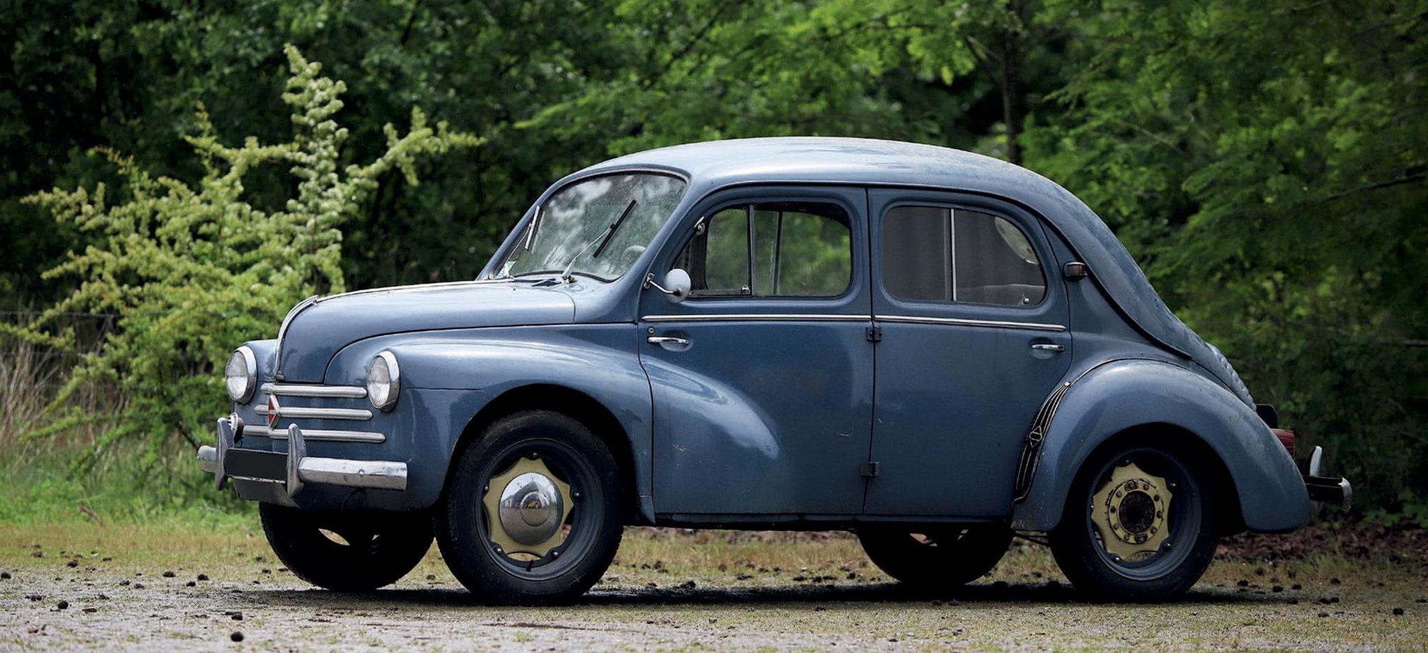 1956 Renault 4CV €4000 - 6000 - Populaires Françaises.